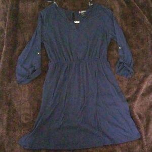 Blue knee legnth cuffed elbow dress (XL)